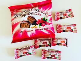 Конфеты в шоколадной глазури. 240 грамм Фруктовый грильяж с клюквой