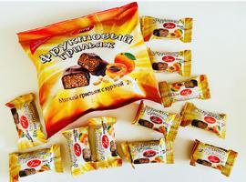 Конфеты в шоколадной глазури. 240 грамм Фруктовый грильяж с курагой